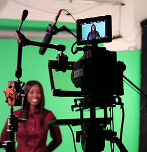 presenter-and-shoot-type