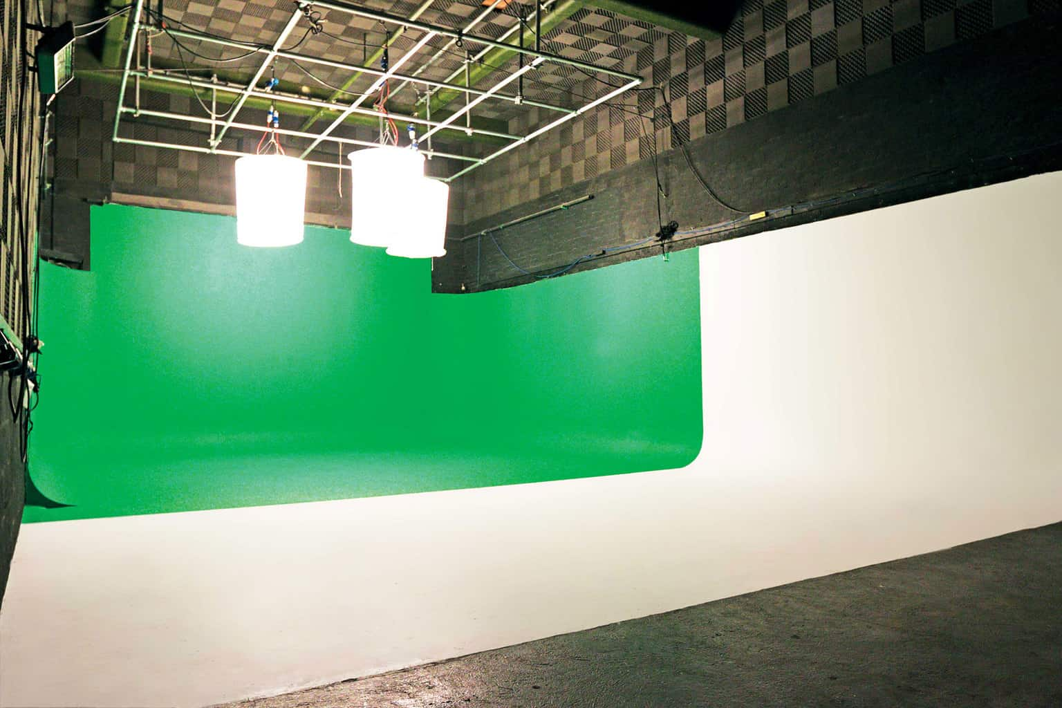 Large Greenscreen Studio Dry Hire