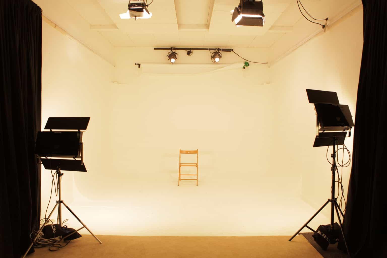 Studio 2 (white a)