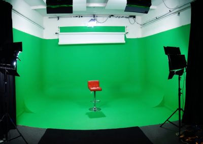 studio 2 greenscreen set up