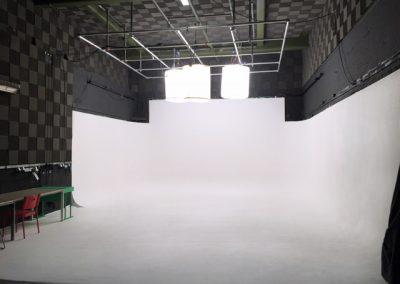 Studio 1 – Full White
