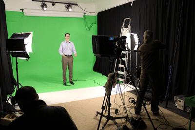 greenscreen_studio two with presenter